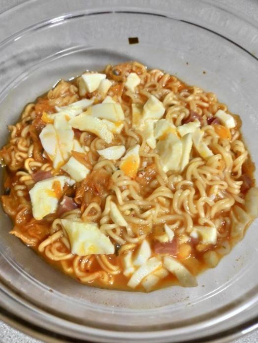 Nueva receta de fideos de Kimchi (@sandraqueisels)